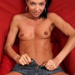 Victoria Blossom in 'Anilos' Perky Tits (Thumbnail 6)