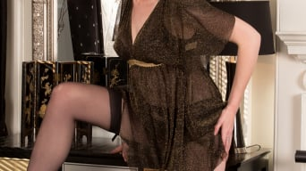 Victoria Ross in 'Fingering Herself'