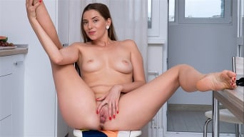 Viktoria Vixen in 'Sweet Viktoria'