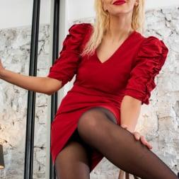 Zara in 'Anilos' Glamour Babe (Thumbnail 4)