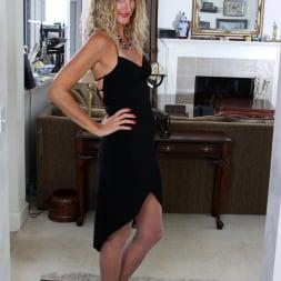 Zoe Marks in 'Anilos' American Milf (Thumbnail 2)