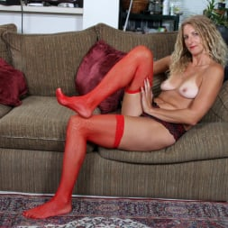 Zoe Marks in 'Anilos' Toy Lover (Thumbnail 8)